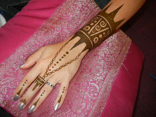 how to take off henna paste