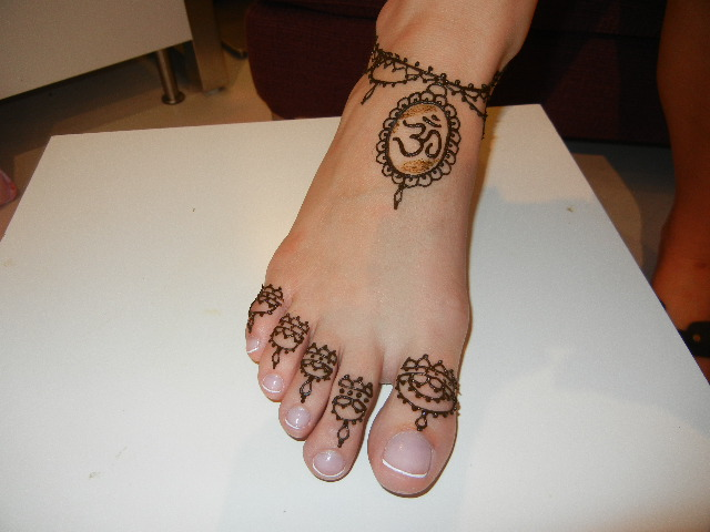 Henna Ankle Tattoo Designs: The Henna Will Continue To Cure Over The Next 12-72 Hours