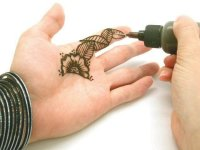 Moroccan syringe tip henna applicator bottle